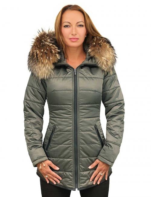 halflange-dames-winterjas-met-bontkraag-groen-versano-model1